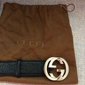 Gucci signature black leather belt